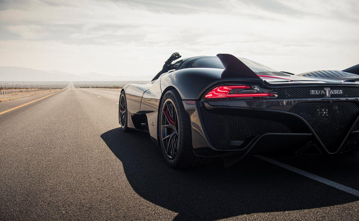 Este es el nuevo auto más rápido del mundo que supera las 330 millas por hora