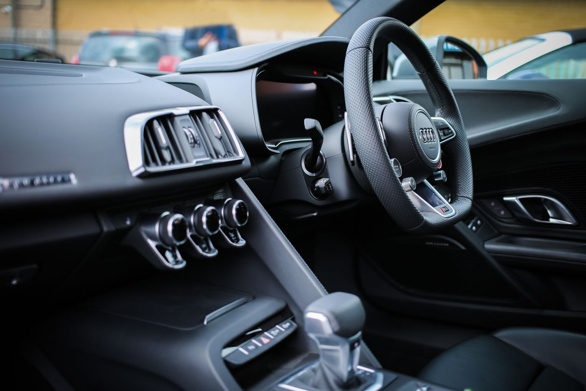 Cómo aprovechar mejor el sistema de audio de tu auto