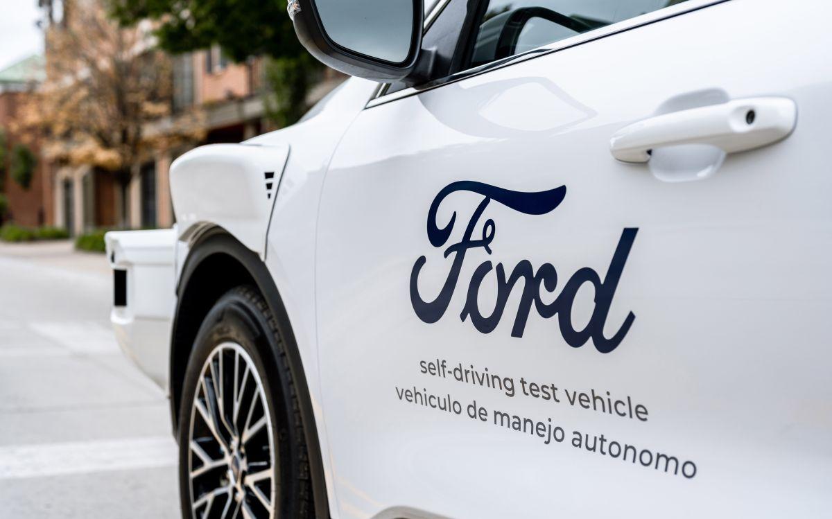 Ford muestra un prototipo de un auto autónomo en vistas a ser lanzado en 2022