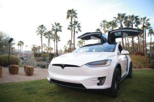 Tesla llama a revisión al Model S y Model X por fallas en la suspensión pero culpa a sus clientes