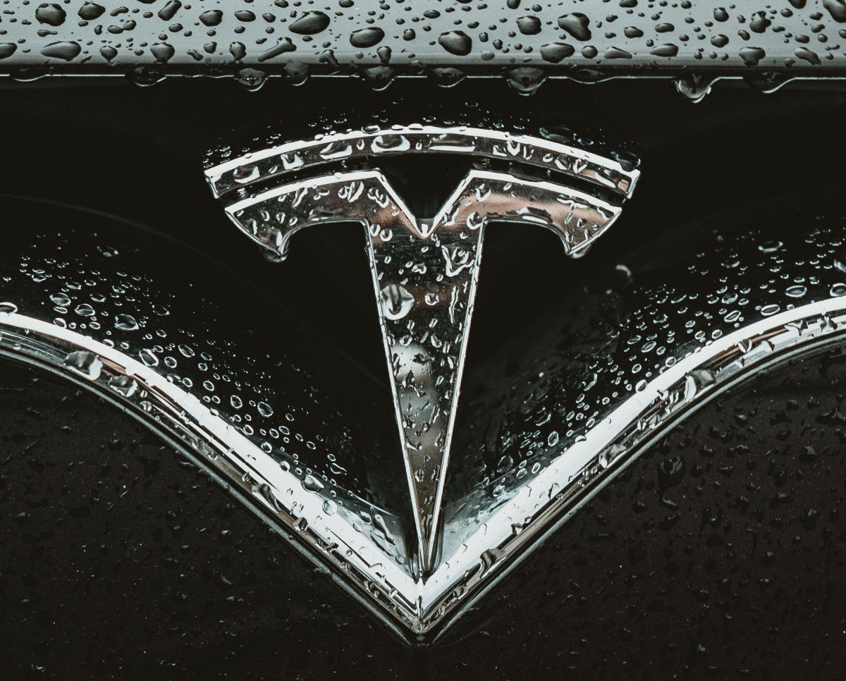 Fuerzan a Tesla en China a quitar del mercado 50,000 autos por fallas en la suspensión: la empresa dice que los están forzando