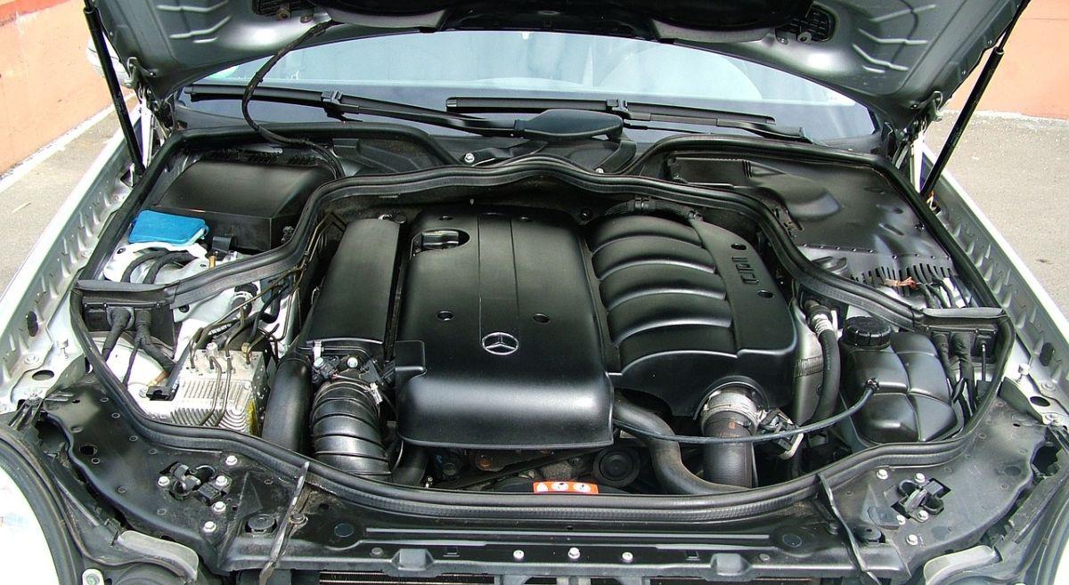 Cómo debes lavar el motor de tu auto para que funcione al máximo