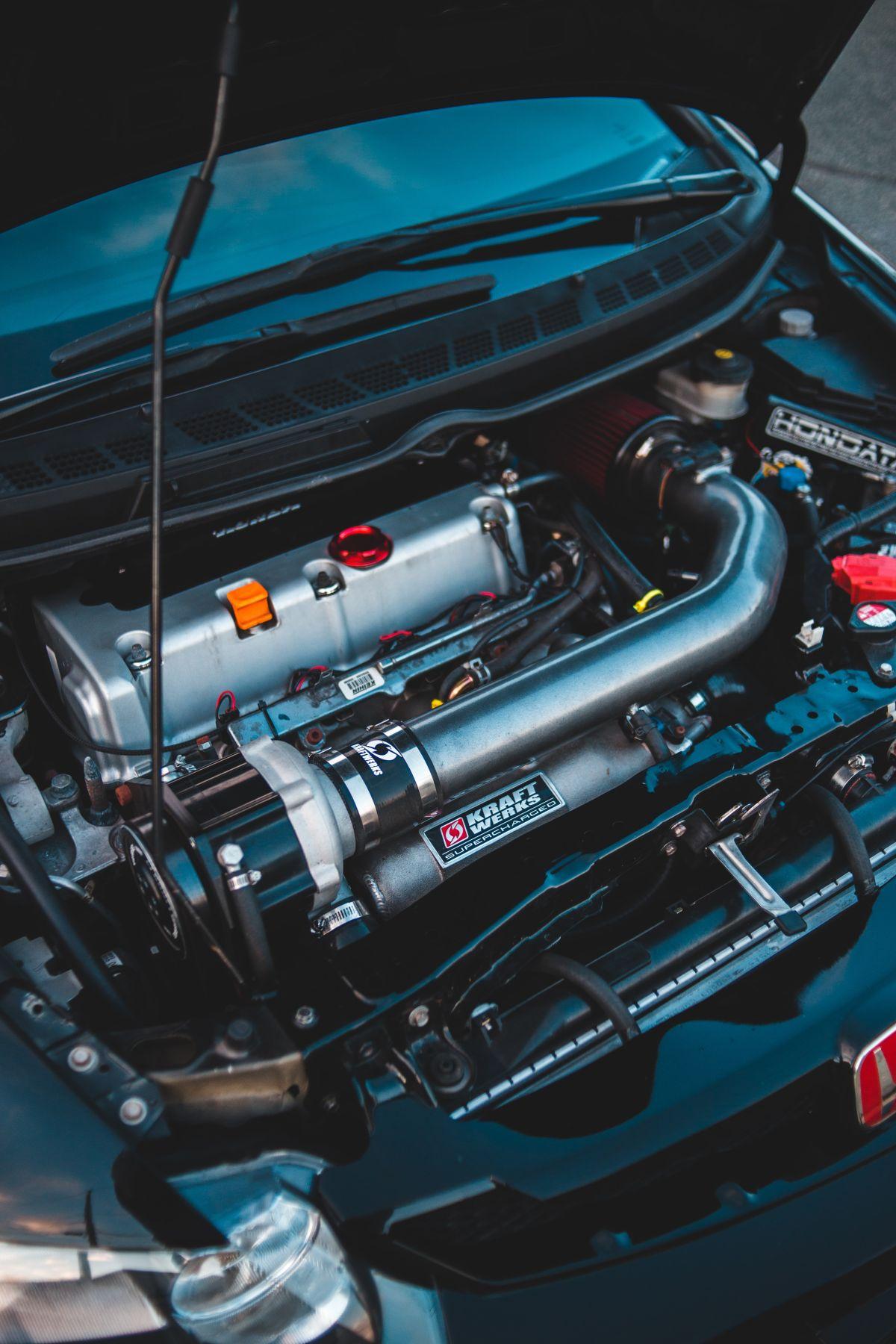 ¿Cuántos soportes de motor hay normalmente en un vehículo?