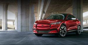 """""""No cederemos el futuro"""": el mensaje intimidante que Jim Farley, CEO de Ford, para Tesla"""