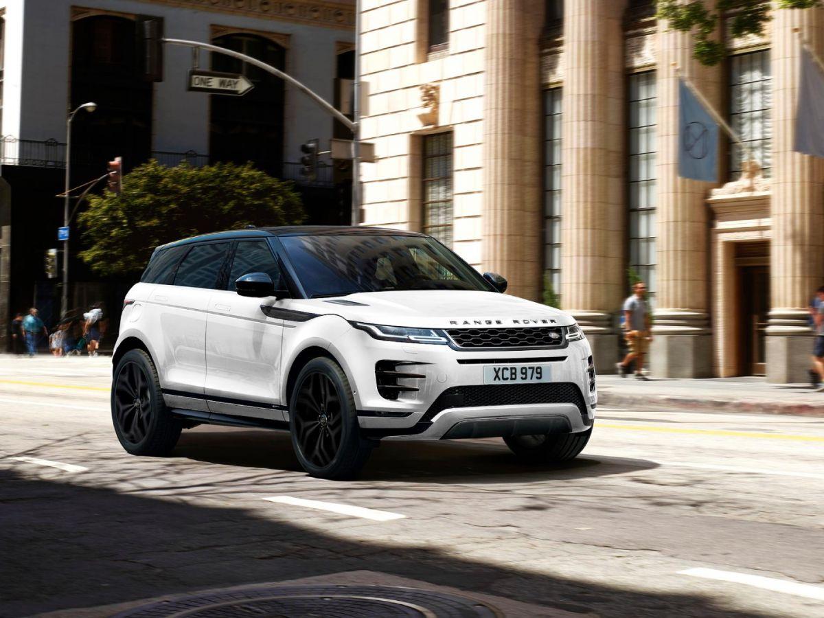 La afición del Príncipe Felipe de Inglaterra por los vehículos británicos de lujo Land Rover