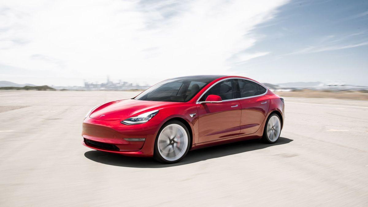 Así respondió el autopilot de Tesla en Lombard Street, la calle más sinuosa del mundo