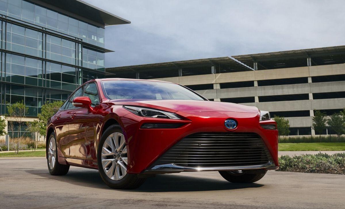Toyota revivirá el Mirai ahora como un auto de hidrógeno con más autonomía
