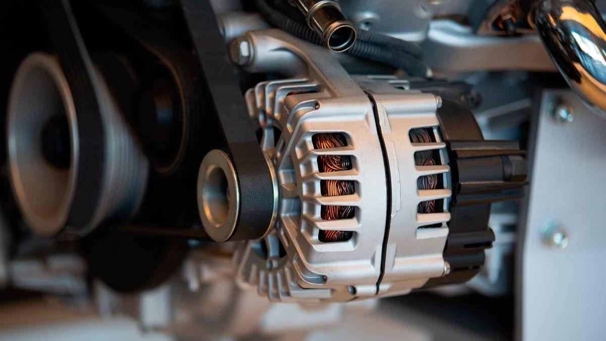 Cómo funciona el alternador de un coche