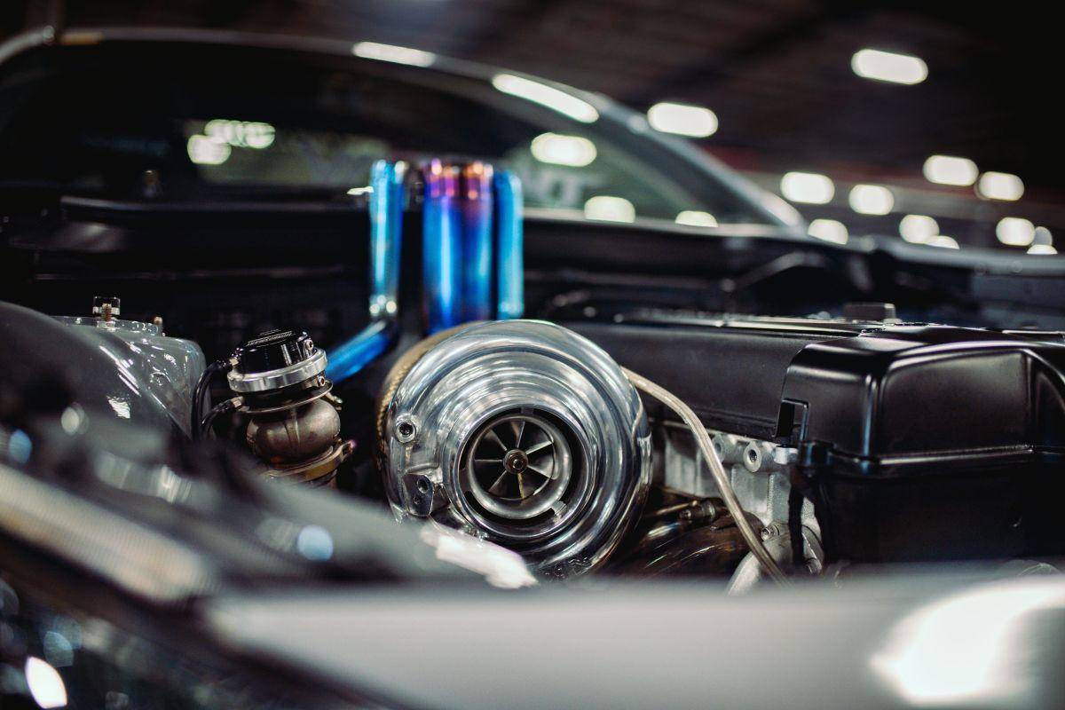 Si tienes un auto con turbo, debes evitar estos hábitos que lo pueden dañar