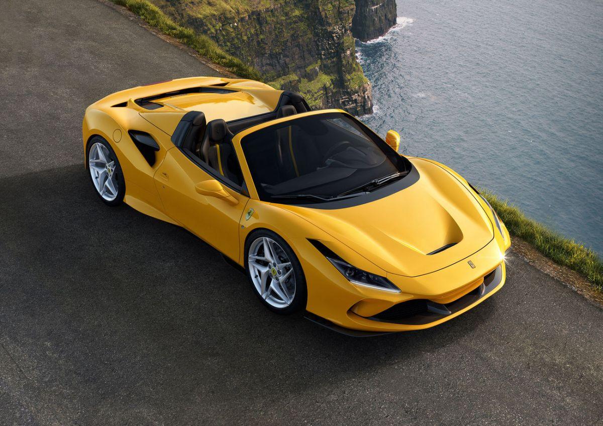Por qué el Ferrari SF90 Spider es el convertible más poderoso de la marca