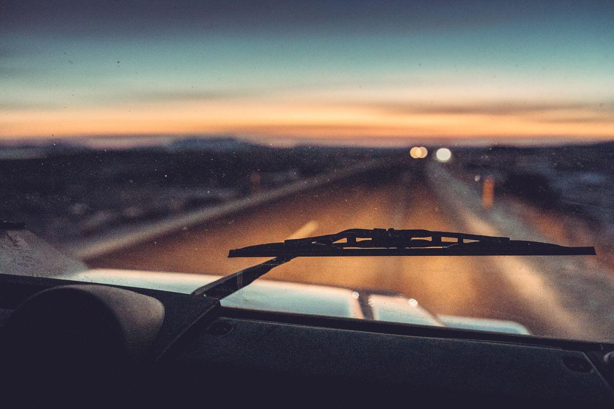 ¿Cuál es el líquido adecuado para mantener los limpiaparabrisas del auto?
