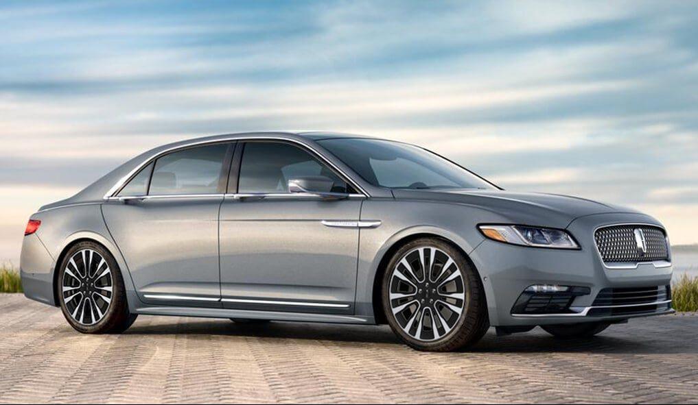 Adiós a un grande, el Lincoln Continental termina su producción y el último auto sale de fábrica