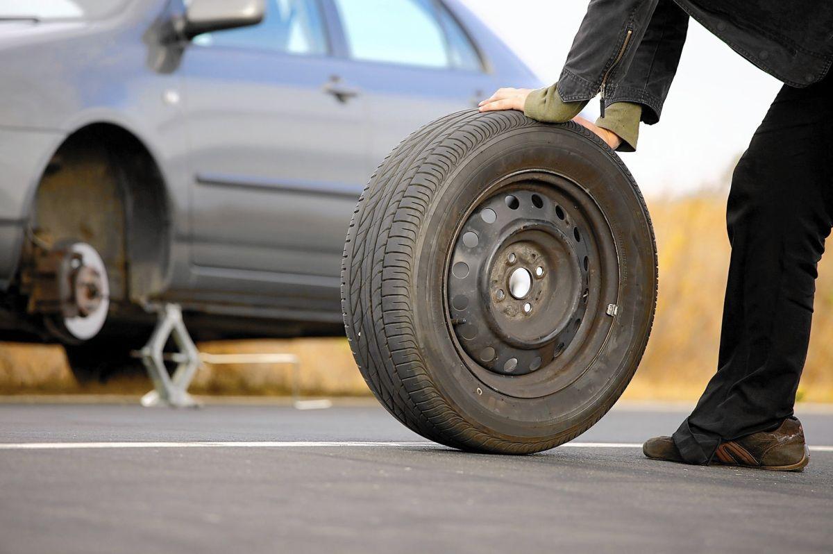 Qué tanto puedes conducir con la llanta de refacción de tu auto