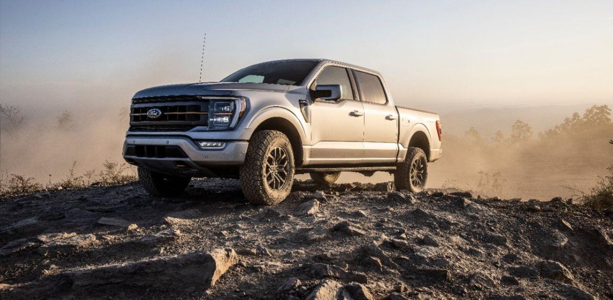 Ford lanza un impresionante video del prototipo de camioneta eléctrica F-150 en la nieve