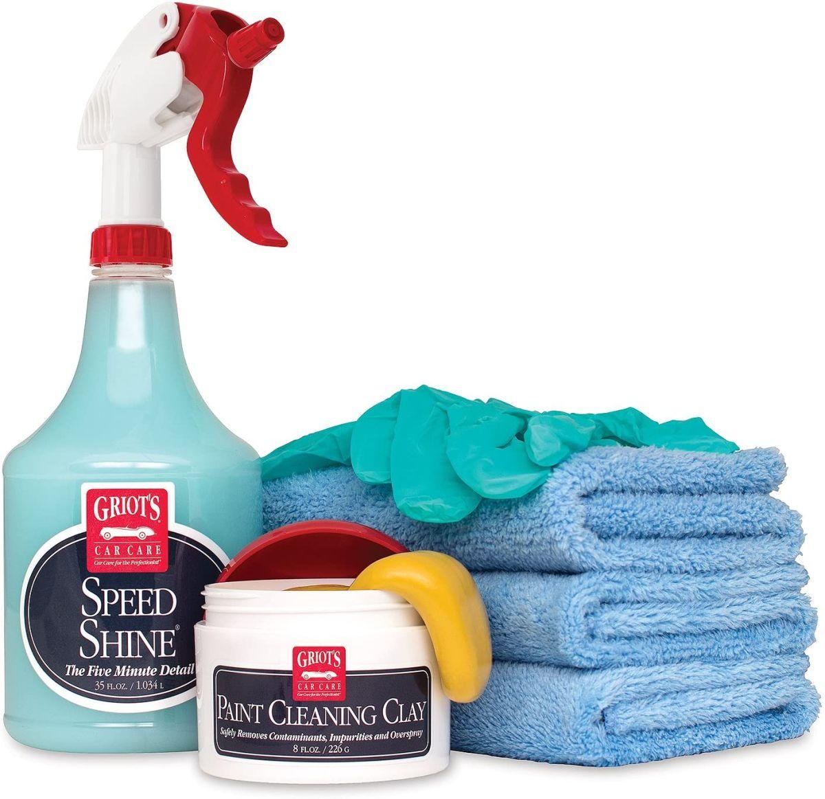 Cómo limpiar los mosquitos y otras suciedades del parabrisas del auto