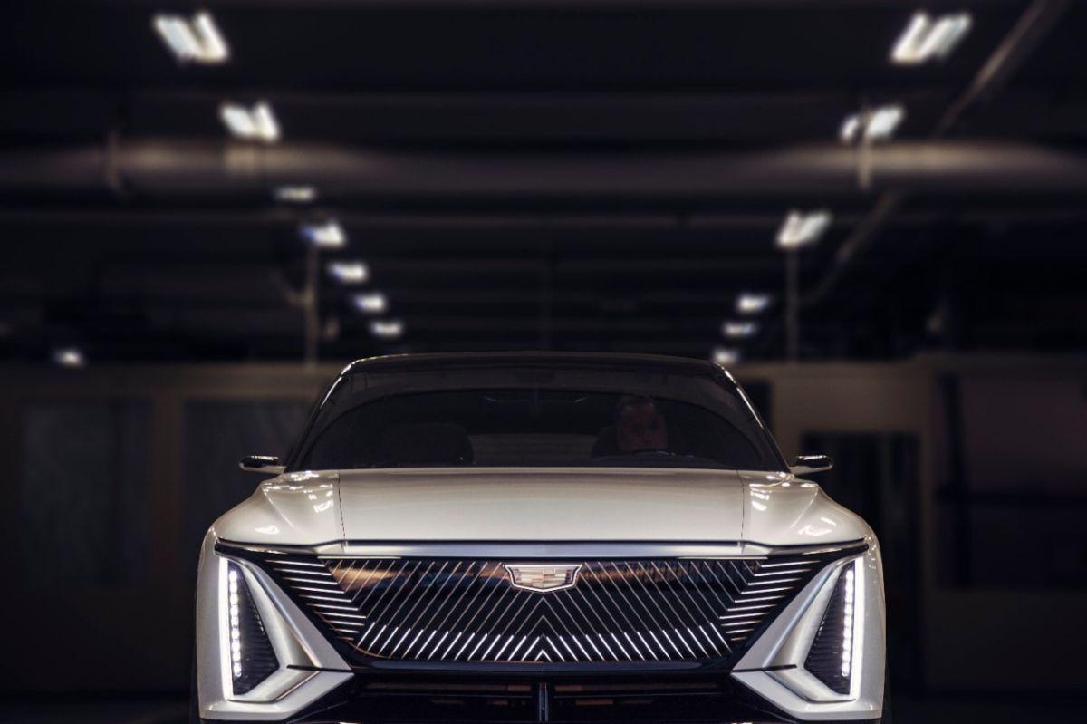 El Lyriq EV marcará el comienzo de vehículos eléctricos de lujo.