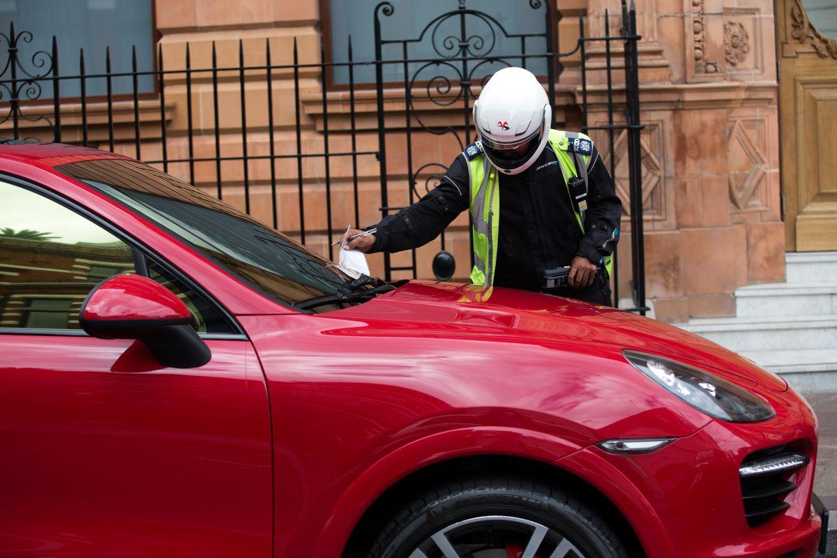 Estas son las multas de autos más raras en todo el mundo