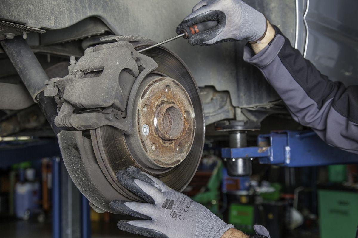 Cuáles son las reparaciones mecánicas más caras de hacer en Estados Unidos