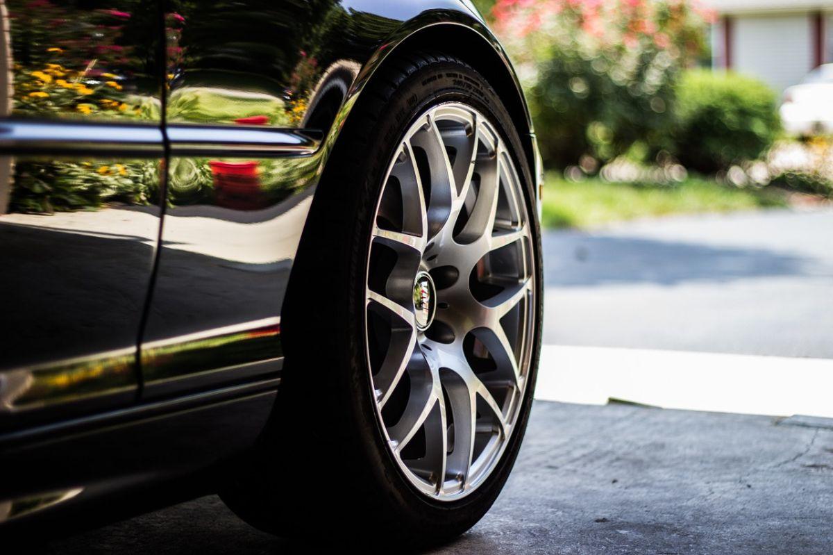 Cómo leer los tamaños de los neumáticos de un auto de forma correcta