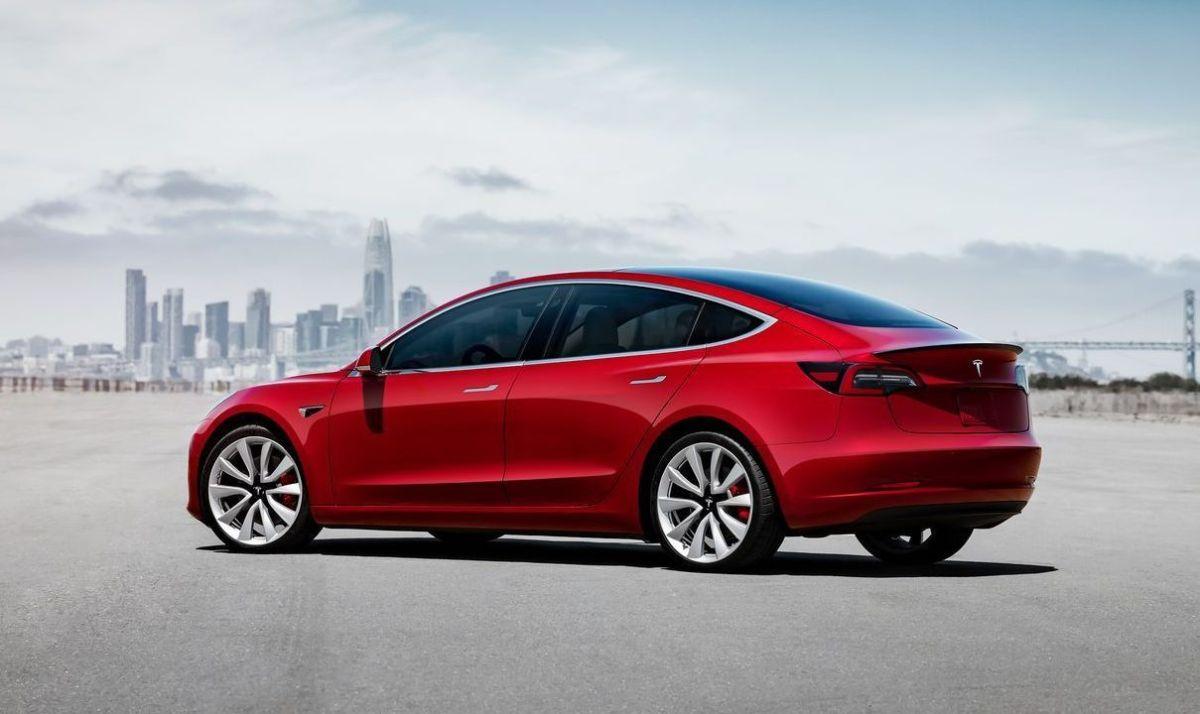 Cuáles son las 2 razones por las que el Tesla Model 3 tiene ventaja sobre sus competidores