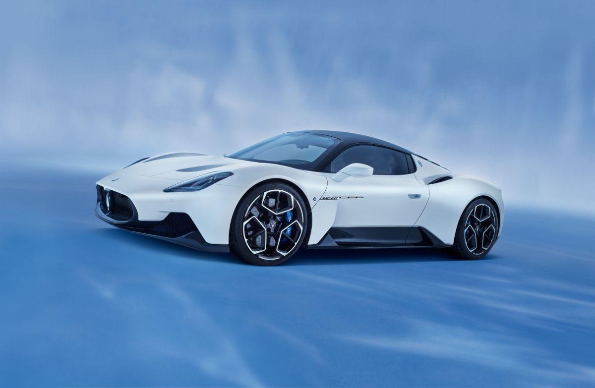 """Maserati MC20 fue galardonado como el """"Superdeportivo más hermoso del año 2021"""""""