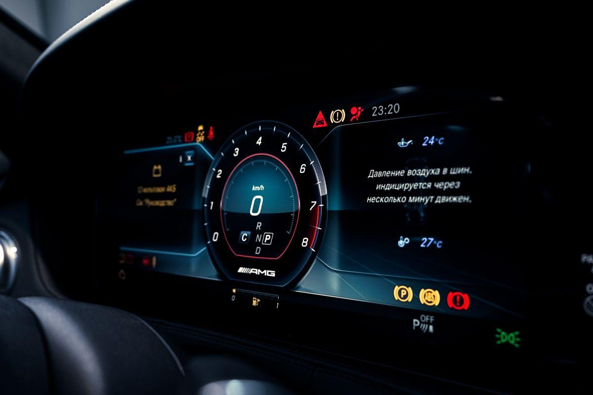Por qué la luz ABS prende en el tablero del auto