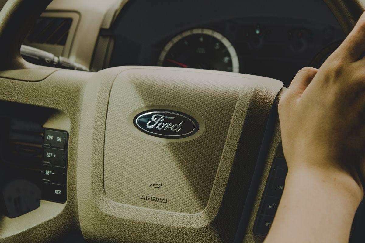 Ford tiene que retirar 3 millones de autos, aunque la marca alega que la falla no es un riesgo para los conductores: ¿qué pasó?