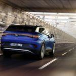 Biden pide a fabricantes de autos que el 40% de los vehículos que construyan sean eléctricos para 2030
