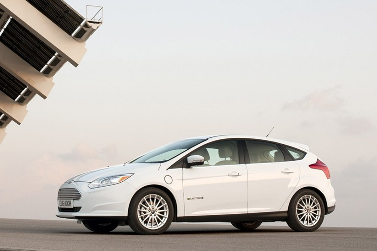 ford-focus-electric-2016