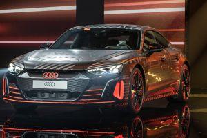 Audi lanzó al mercado su e-Tron GT, el magnífico auto eléctrico que pretende competir con Tesla, por un precio base de $100,000