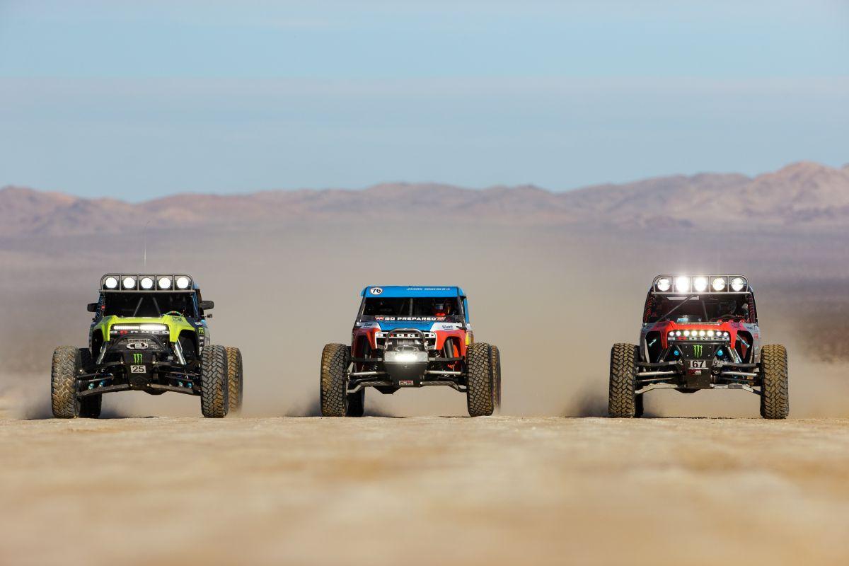 5,000 vehículos todoterreno provocan caos, accidentes y arrestos en el desierto de Arizona