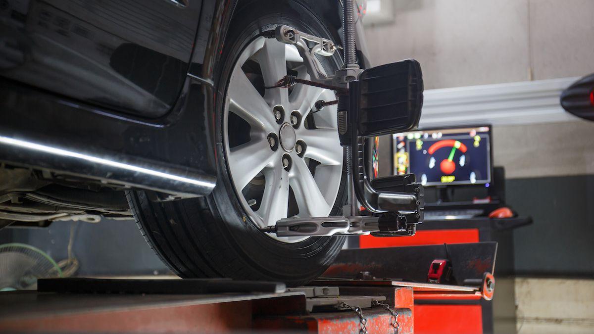 ¿Realmente tu auto necesita una alineación después de cambiar los neumáticos?