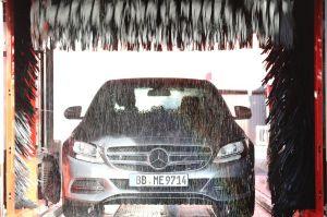 Por qué no debes permitir que laven tu auto en el concesionario cuando lo llevas a servicio de mantenimiento