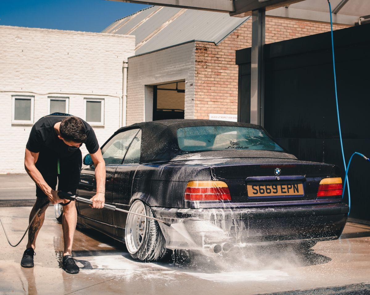 Cuáles son los errores más comunes al lavar el auto