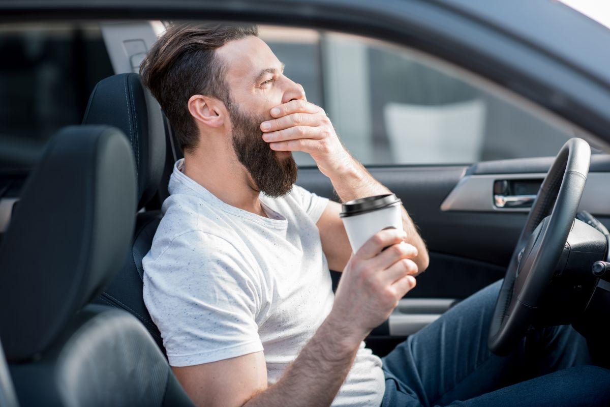 Sigue estos tips para evitar la fatiga al conducir