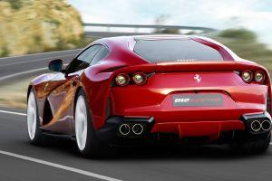 2 lujosos Ferrari, destrozados por empleados de un autolavado