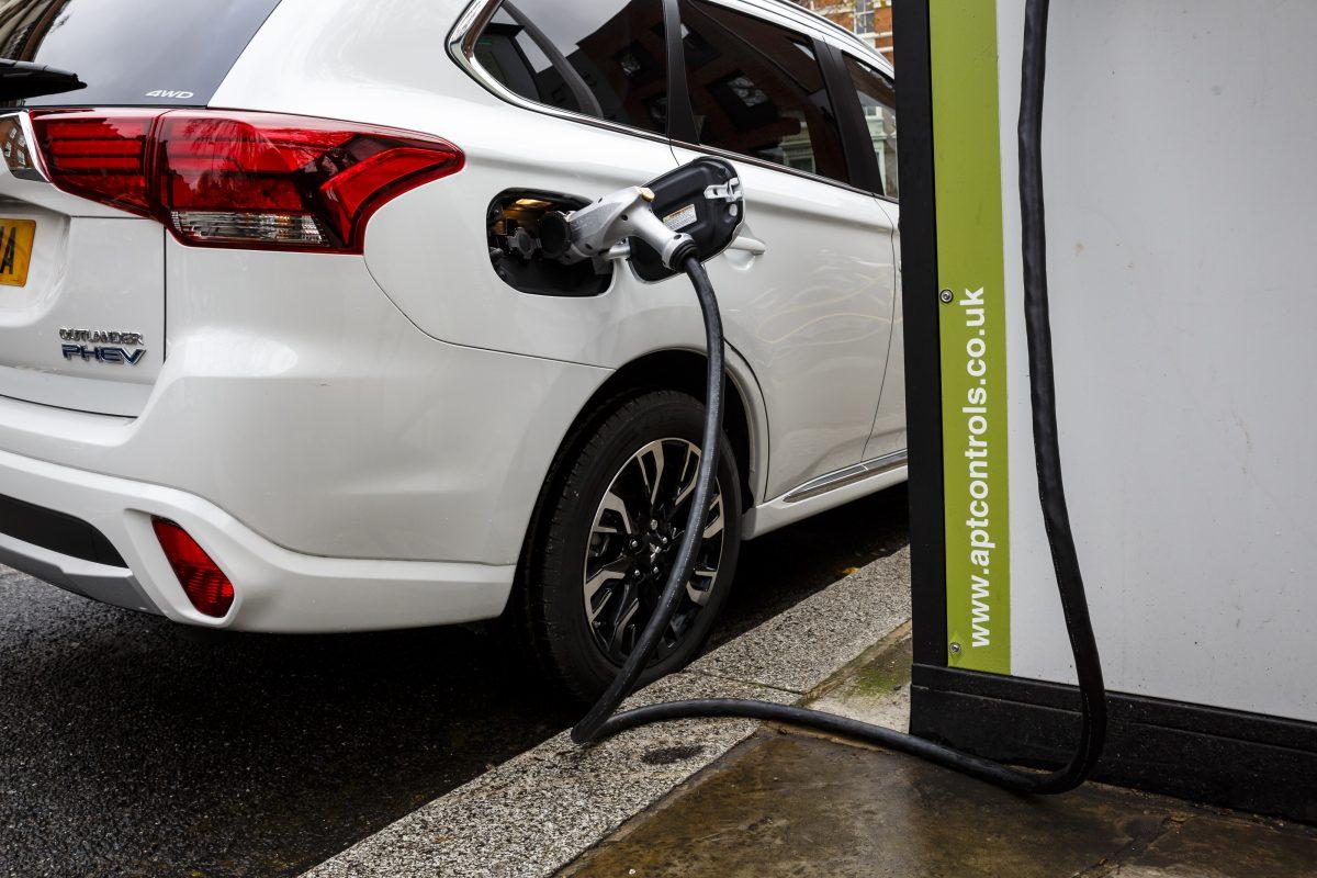 Los autos eléctricos han demostrado tener grandes ventajas sobre los autos de combustión interna, una de ellas es el rendimiento.