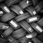 Después de la carencia de chips: Por qué la escasez de caucho es el siguiente gran problema para los fabricantes de autos