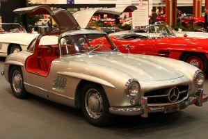 Así fue como el Mercedez-Benz SL se convirtió en una leyenda de los autos deportivos