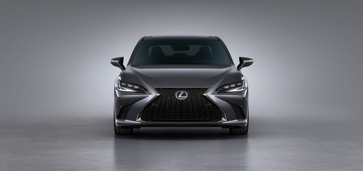 Cómo es el totalmente renovado Lexus ES