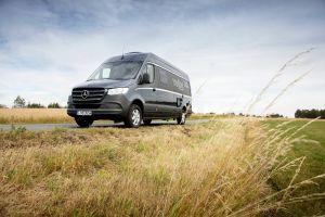 Mercedes-Benz retira del mercado más 50,000 vehículos por una falla con sus frenos