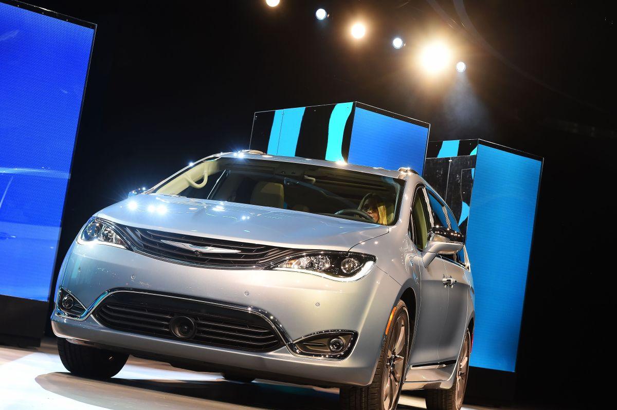 Si no quieres un vehículo eléctrico, estos son 5 autos con excelente rendimiento de combustible