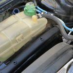 Por qué puede ser que tu auto pierde líquido
