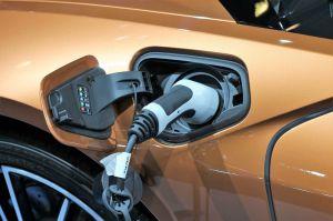 Amazon ahora puede instalar un cargador eléctrico para tu auto en tu casa: qué requisitos deberías cumplir