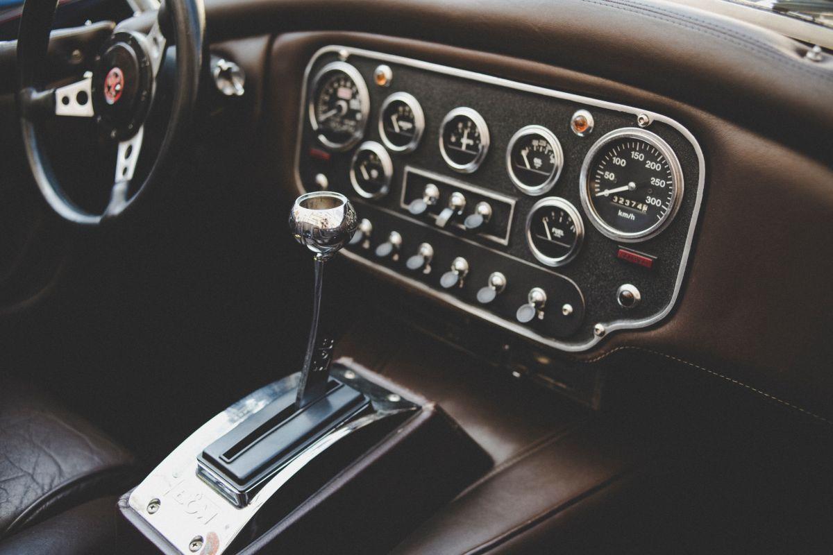 Qué fallas te indican que la transmisión automática de tu auto está a punto de descomponerse