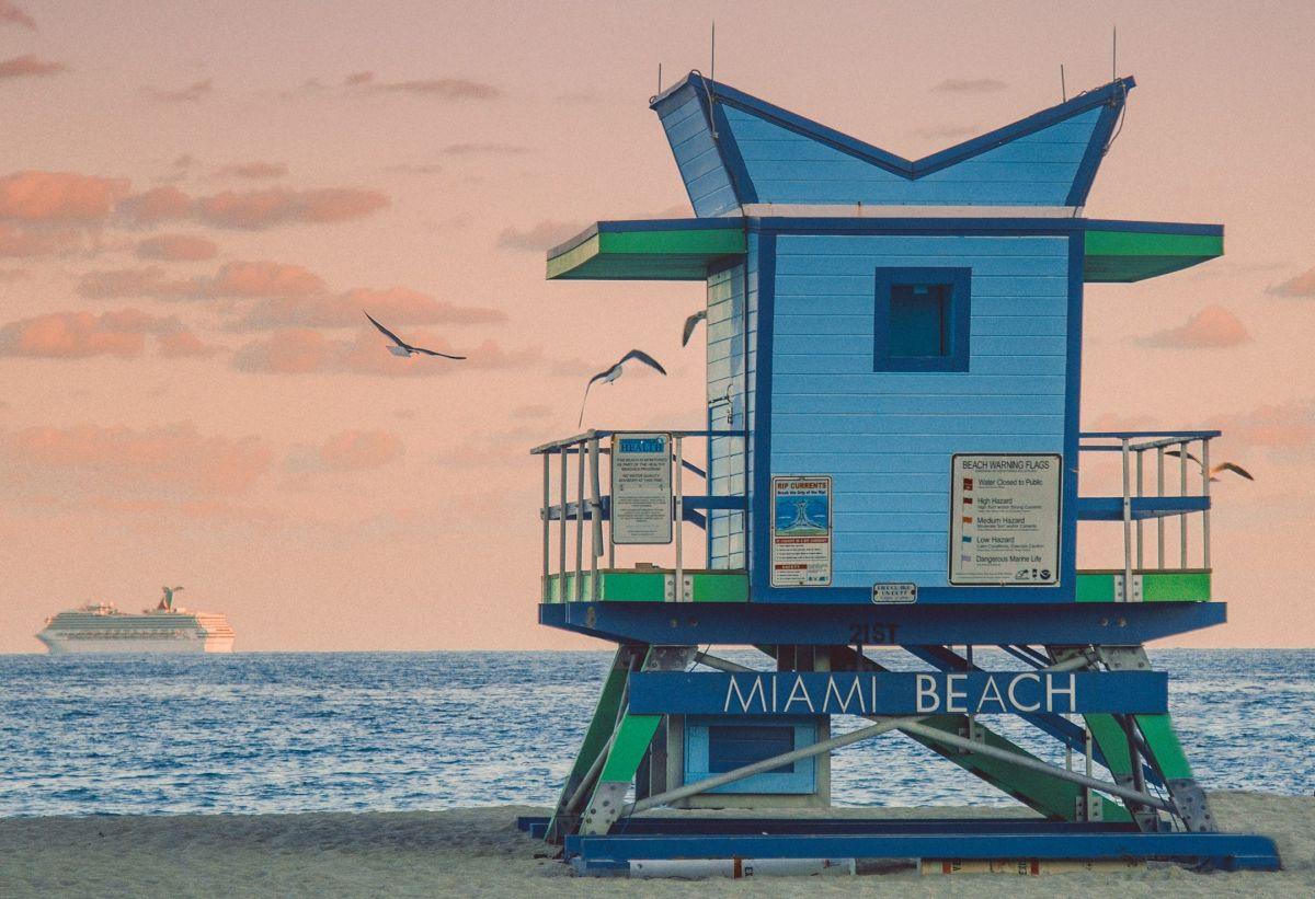 ¿Dónde puede alquilar los mejores autos usados en Miami, FL?