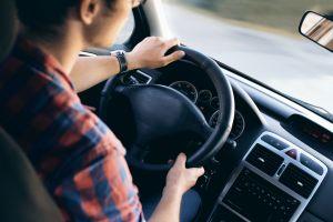Cuáles son las diferencias entre una licencia de conducir y un permiso de conducir en Estados Unidos