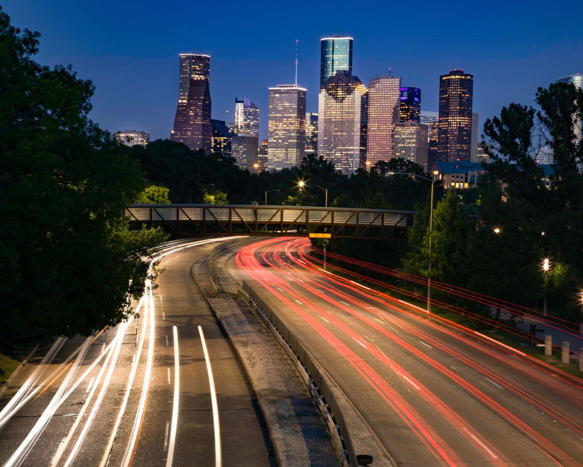 ¿Dónde puede alquilar los mejores autos en Houston,TX?