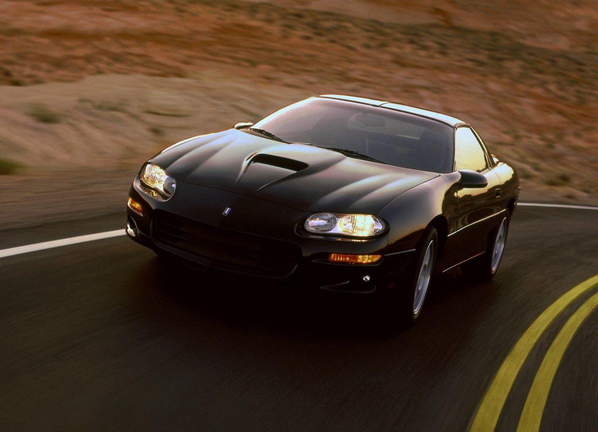 ¿Es el Chevrolet Camaro 1998 el mejor auto usado deportivo?