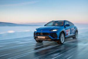Casi 300 km/hora: Lamborghini Urus rompe el récord de velocidad sobre hielo